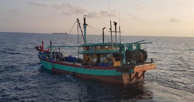2 Kapal Ikan Asing Ditangkap di Aceh, 12 ABK Myanmar Diamankan