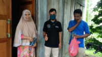 Aparatur Gampong Lam Trieng Kecamatan Kuta Baro Bagikan Masker Pada Warga 9